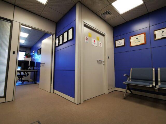 ηχομονωτική πόρτα
