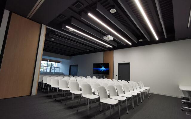 αίθουσα συνεδριάσεων ακουστική βελτίωση