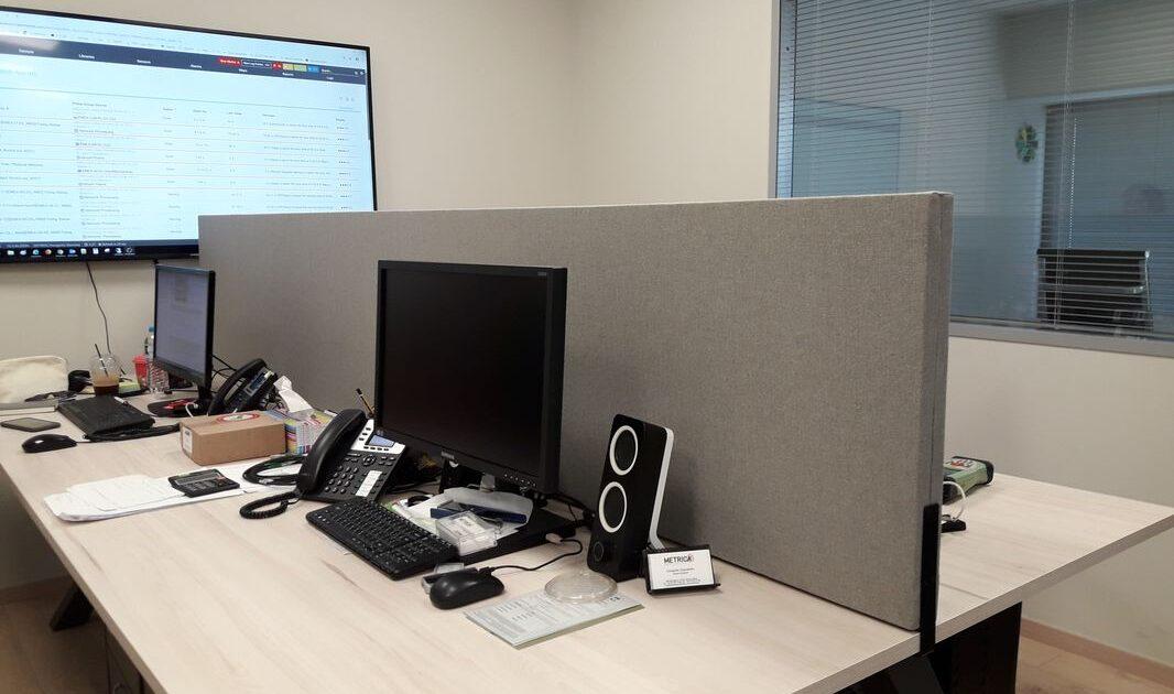 office-desk-partition